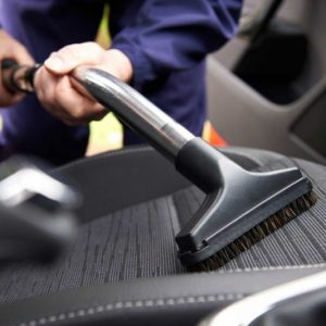Чистка салона автомобиля: рецепты простых средств и советы по мойке своими руками
