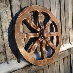Деревянное колесо своими руками: инструкции и пошаговое изготовление декоративных украшений сада
