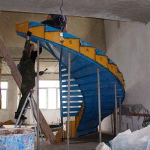 Лестница своими руками: пошаговая инструкция как построить деревянную лестницу (85 фото)