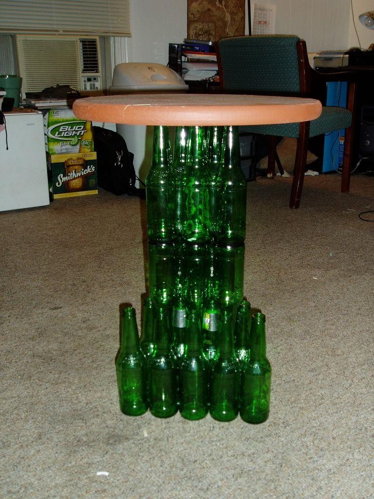 как сделать стол из пластиковых бутылок картинки был готов ради