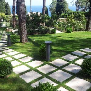Садовые дорожки своими руками – как из из чего можно сделать красивое украшение для сада (90 фото)